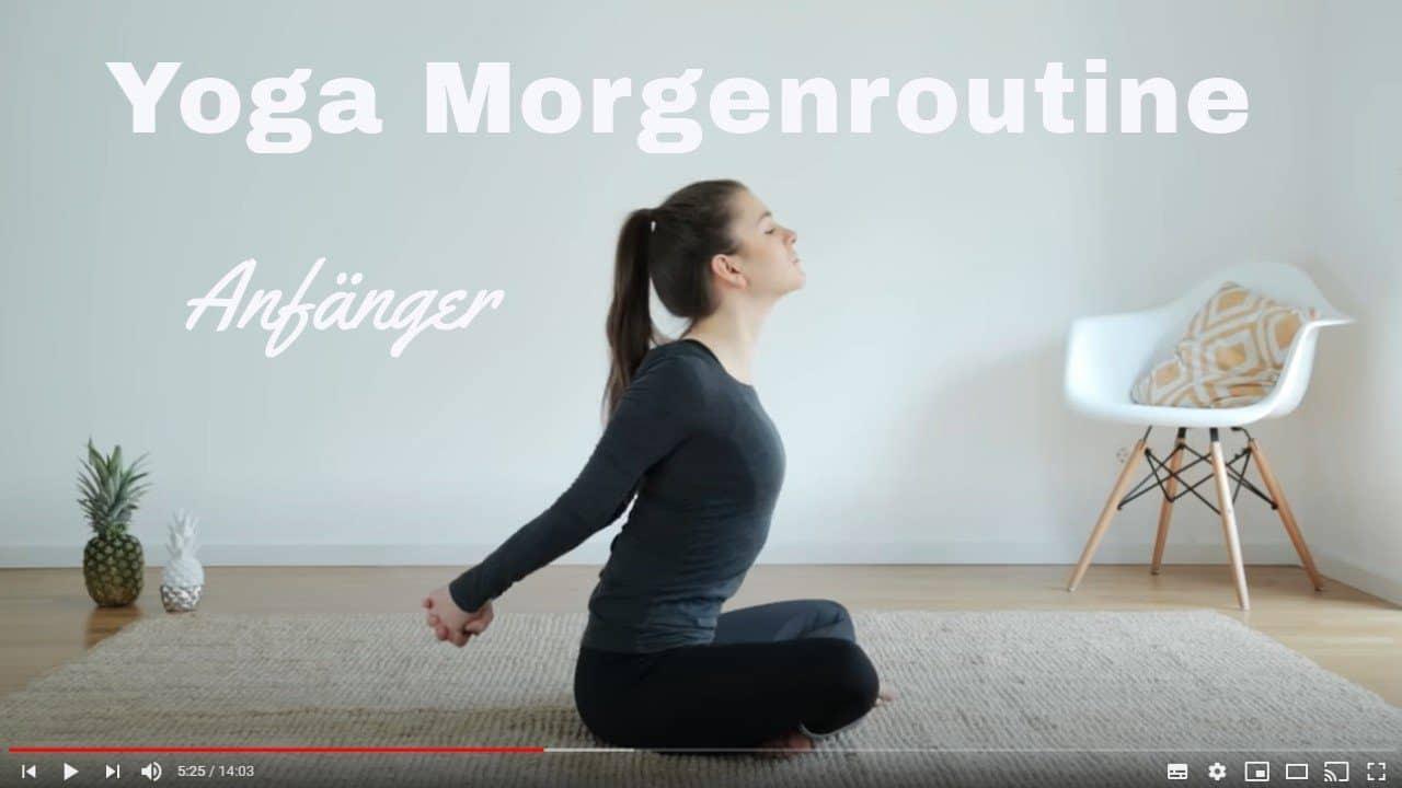 Yoga-Video: Deine Yoga-Routine nach dem Aufstehen